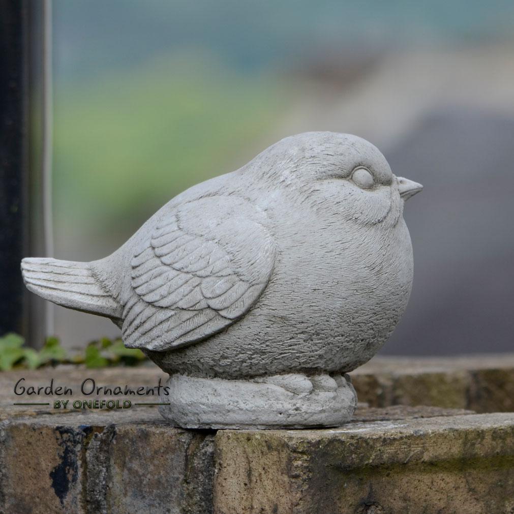 robin hand cast stone animal bird garden ornament statue. Black Bedroom Furniture Sets. Home Design Ideas