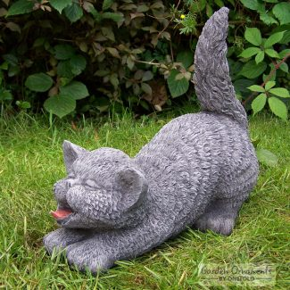 tail up cat garden statue