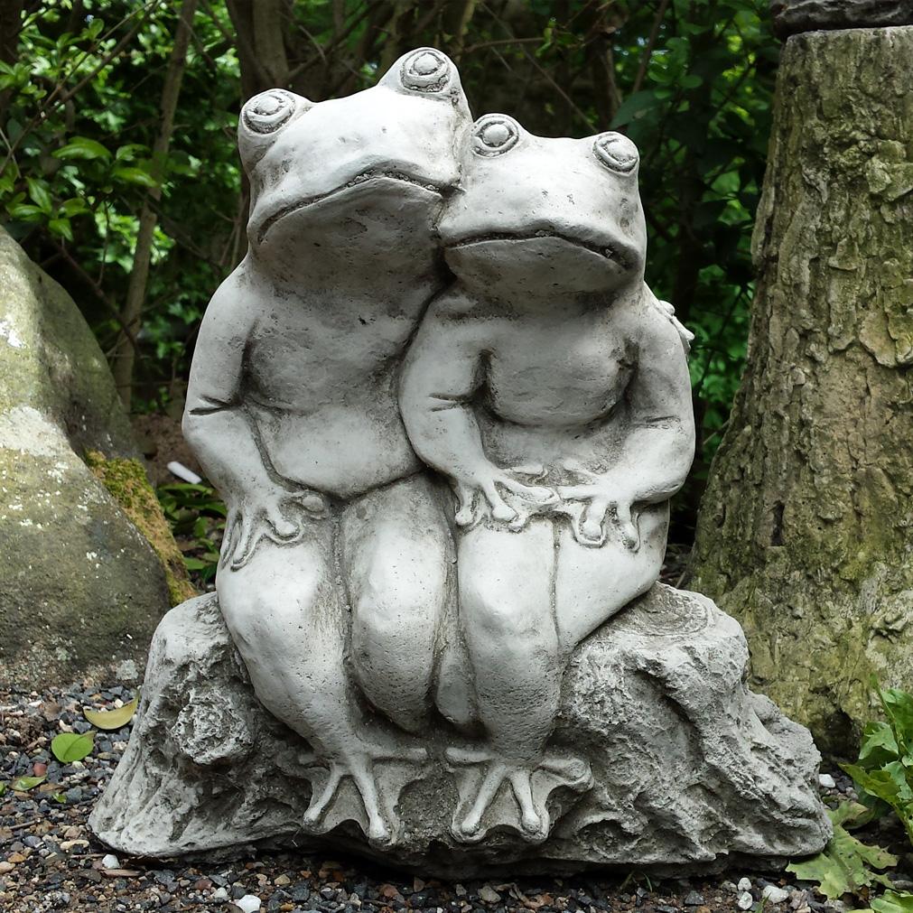 Bud Frog Garden Ornament 1